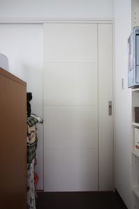 2階主寝室のドアです。白木の木目が素敵なです!
