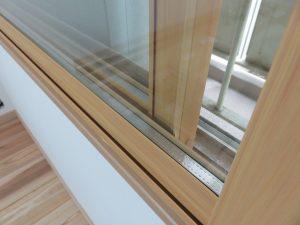 今回の内窓はペアガラス。断熱・防音効果も高まります。